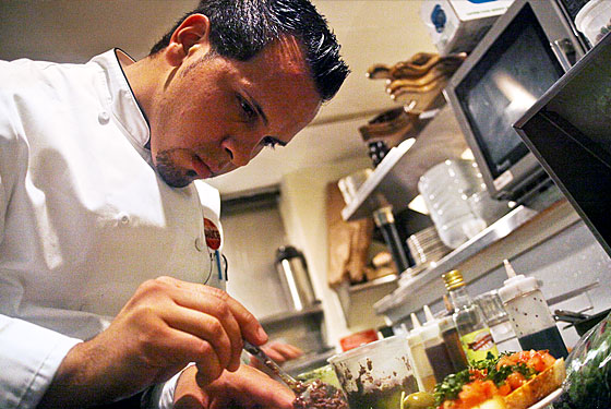 L'asso Hires Chef Daniel Riviera to Expand Menu