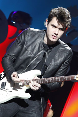 John Mayer Rendezvous with Taylor Swift at Nobu, Bags His Leftovers