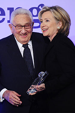 20091222 clintonkissinger 250x375 Activist berates White House, Clinton for honoring war criminal Kissinger