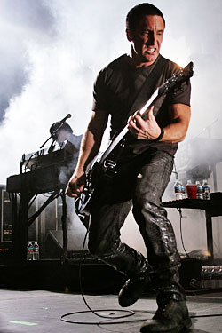 Awesome Trent reznor is a asshole fuck! thankfulness