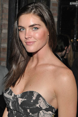 http://images.nymag.com/images/2/daily/2010/04/20100406_hilaryrhoda_250x375.jpg