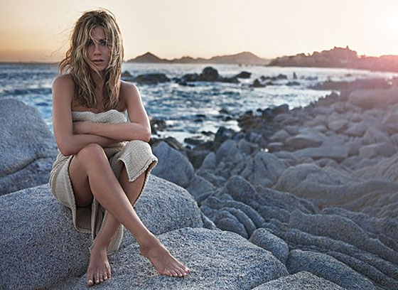 Jennifer Aniston to Sell Perfume by Sitting on a Rock Naked and Alone