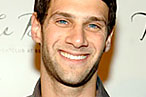 Ashley Olsen and Justin Bartha Are on a Date at Blue Water Grill; Jon Stewart Isn't at the Lion