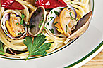 Porsena's spaghettini with clams.