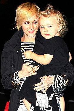 Ashlee Simpson-Wentz's New Haircut Matches Her Toddler's; Jason Wu Debuts His Makeup Line