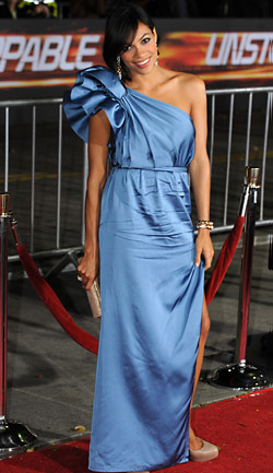 Fashion Style Etc Rosario Dawson Loves A Good Shoulder Pouf