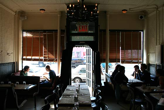 Dumont brooklyn ny for Domont restaurant