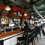 Uno Chicago Grill - Financial/Battery Pk - New York Magazine ...