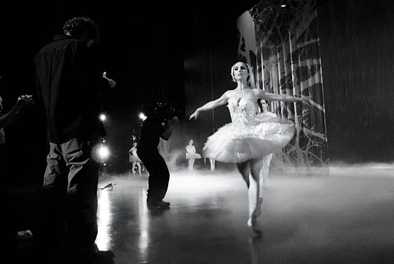 Natalie Portman on the set of Black Swan. (Photo: Ray Lewis)
