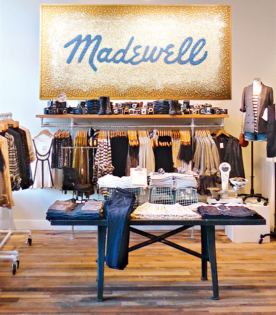 Details: Get 15% off for all teachers and college students when they shop at Madewell stores and show a valid school ID at checkout.