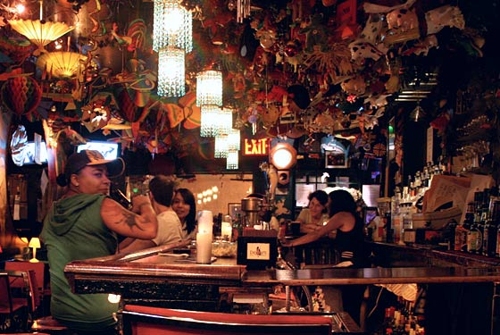 new york city bar top 5 lesbian nightlife spots new york visitors guide new