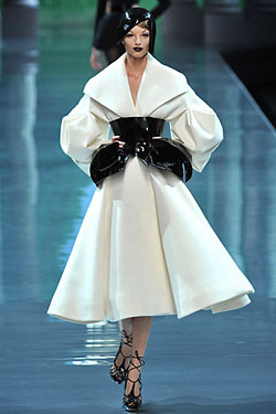 Givenchy sex couture - 3 9