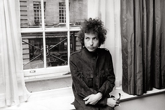 https://images.nymag.com/guides/fallpreview/2010/books/dylan100830_560.jpg