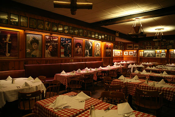 Gallaghers Steakhouse 67 Reviews 228 W 52nd St New